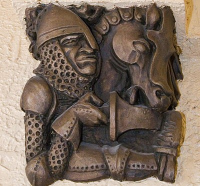 400px-Medieval_Knight_Carving,_Casa_Loma,_Toronto,_Canada